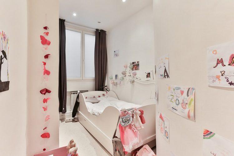 7 manieren om een baby kamer groter te laten lijken