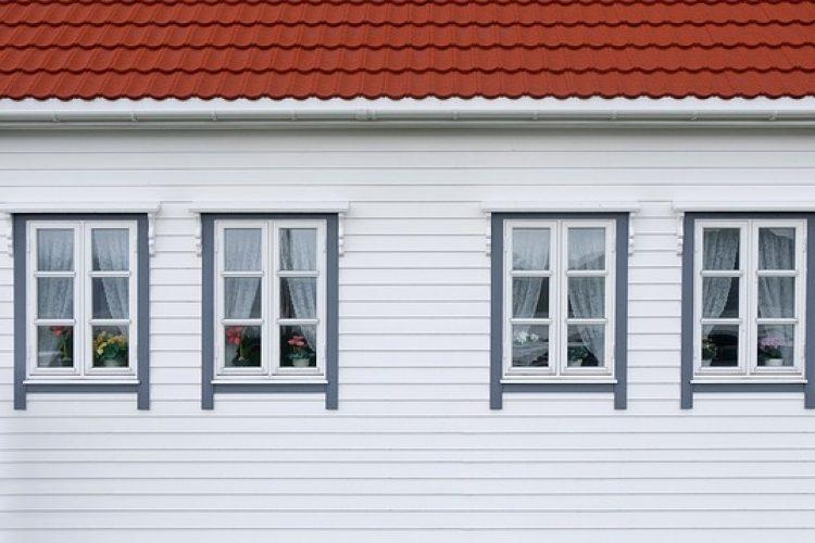 Geschikte raamdecoratie voor een kinderkamer