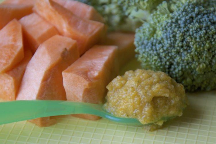 Babyhap  9 maanden: zoete aardappel en broccoli