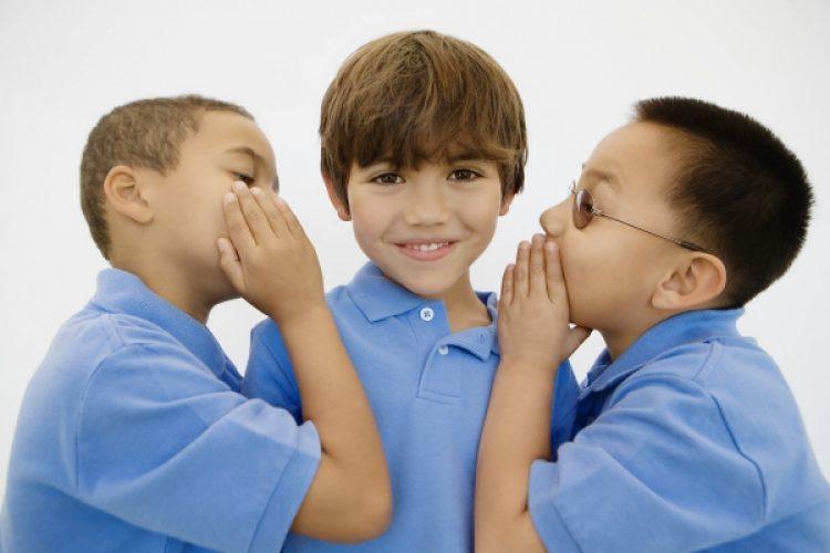 Sociale afwijzing en taalvaardigheid bij kleuters.