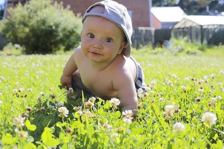 Warmteuitslag en andere onschuldige bultjes bij je baby