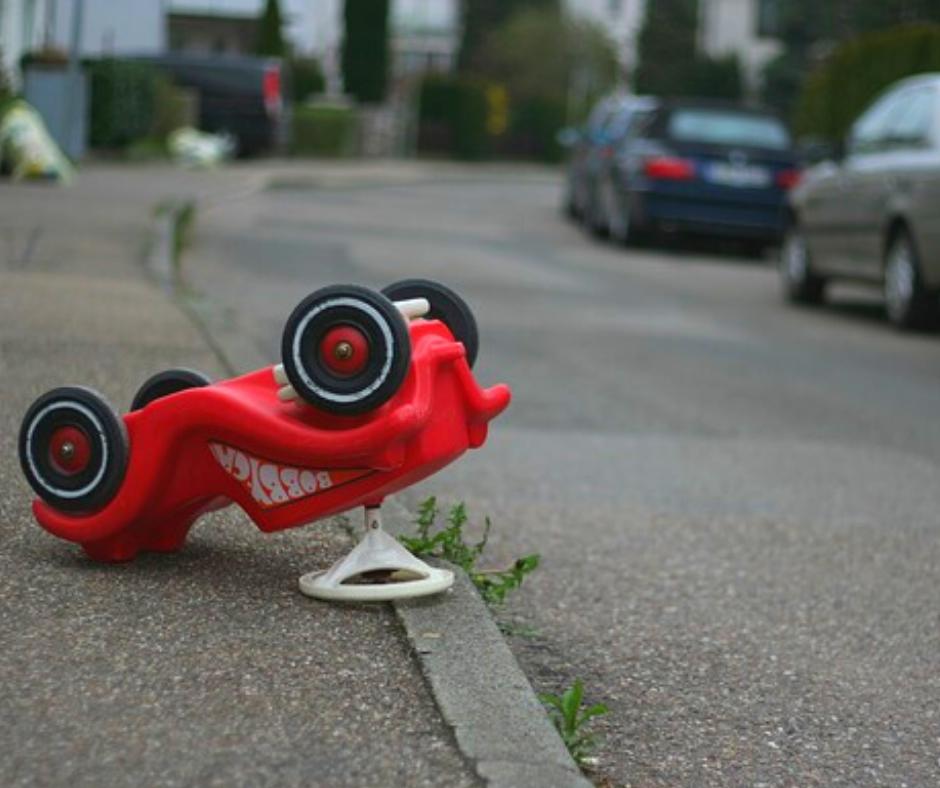 Kan je ouders verbieden hun kinderen met de auto naar school te brengen