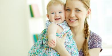 5 dingen die je echt niet zegt, als iemand jong moeder wordt.
