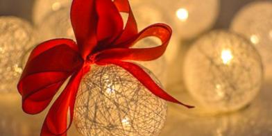 Een allegaartje aan kerstballen