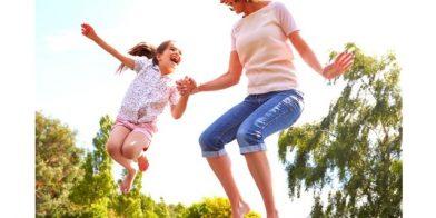 Sporten en ontspanning, wordt het yoga of trampoline springen?