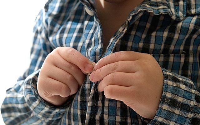 Wanneer kan mijn kind zichzelf aankleden?